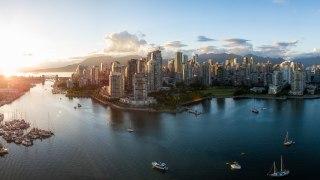 Voyage dans l'ouest du Canada: Vancouver et False Creek